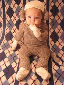 @alicia bourdier Halloween costume for baby!!    Sock Monkey