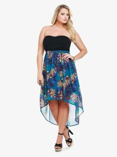 Blooming with a moody floral print, the teal chiffon hi-lo skirt of this dress is shirred for playful movement. The black bodice has a sweetheart neckline. You can remove the adjustable straps for a sexy, shoulder-baring look.