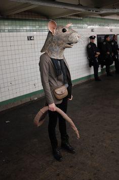 Papier-Mâché Masks Crafted by Liz Sexton Bring Animals to Human Scale - zoe Animal Masks, Animal Heads, Halloween Kostüm, Halloween Costumes, Colossal Art, Halloween Disfraces, Belle Photo, Oeuvre D'art, Rats