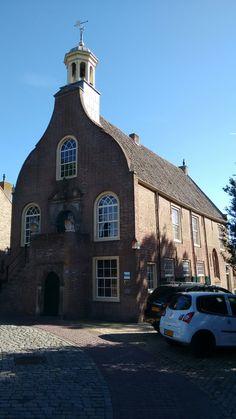 Stadhuis en gaathuiskapel van Geervliet. Rijksmonument uit de zeventiende eeuw.