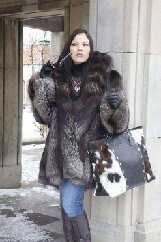 Fur Fashion, Winter Fashion, Womens Fashion, Fox Fur Coat, Fur Coats, Fabulous Fox, Female Portrait, Leather Gloves, Lady