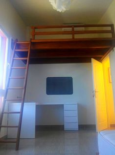 Altillo de Madera Loft Room, Bedroom Loft, Dream Bedroom, Tiny House Loft, Minecraft Bedroom, Small Room Design, Apartment Plans, Lofts, Room Planning