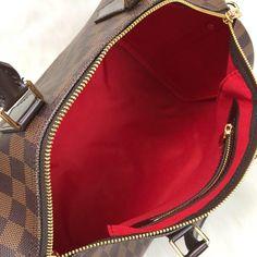 Louis Vuitton Bandoulier Speedy Bag – World Leather Design Louis Vuitton Handbags 2017, Handbags Michael Kors, Louis Vuitton Speedy Bag, Handbags Online, Leather Design, Authentic Louis Vuitton, Michael Kors Jet Set, Zip Around Wallet, Purses