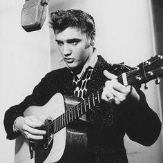 Elvis Presley #originalcool #chuckabillyrules Hear Chuckabilly's favorite Elvis Presley tracks here: https://open.spotify.com/user/1233339027/playlist/7HOml44ZUdFV7D6XWw8swm
