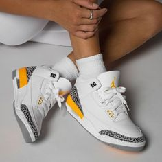 Dr Shoes, Swag Shoes, Nike Air Shoes, Hype Shoes, Air Jordan 3, Air Jordan Retro, Jordan Shoes Girls, Girls Shoes, Best Sneakers