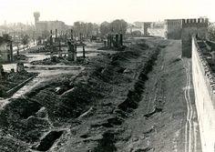 Юго-восточная часть крепостной стены и улица Краснознамённая (Исаковского)  1941 — 1943