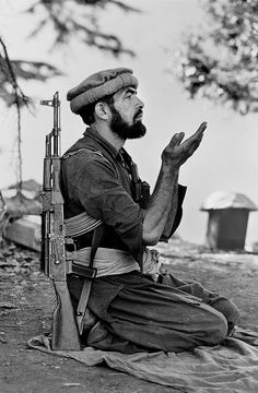 Silent Language of Hands   Steve McCurry - Kunar province, afghanistan