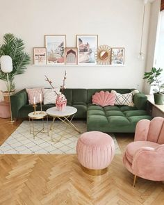 Small Space Living Room, Living Room Green, Cozy Living Rooms, Living Room Sofa, Small Spaces, Pastel Living Room, Living Room Vintage, Pastel Room Decor, Living Room Prints