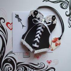 carte fait main en forme corset /bustier noir et blanc