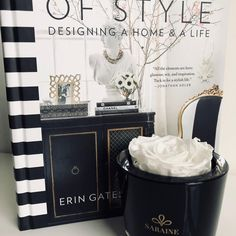 A touch of black and white @sarainesydney #luxury #style #christmasgifts #blackandwhitedesign #gifts #eventplanner #interiordesign #gorgeousgifts