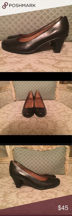 Black leather pump Super soft, mid-heeled black leather pump. 2 3/8 inch heel. Cushioned insole. Sofft Shoes Heels