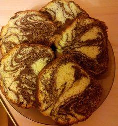 Ingrediente 5 oua 5 linguri de faina 5 linguri de zahar 2 linguri de cacao 1 lingura de ulei un praf de copt 1 varf de sare 1 lingurita de esenta de vanilie sau rom Preparare Pentru inceput se sepa… Bread, Brot, Baking, Breads, Buns