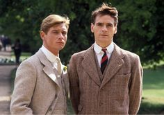 Jeremy Irons and Anthony Andrews in Brideshead Revisited Anthony Andrews, Brideshead Revisited, Evelyn Waugh, Jeremy Irons, Rufus Sewell, Anthony Perkins, Cecil Beaton, Elegant Man, Drama Film