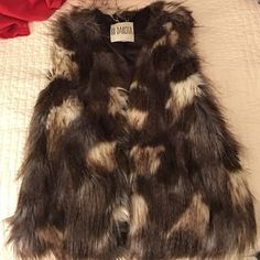 BB Dakota Faux Fur Vest Faux Fur vest from BB Dakota. Size small. Feel free to use the offer button, request more photos, or ask any questions! BB Dakota Jackets & Coats Vests