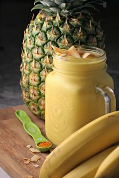 Tropical Turmeric Smoothie ~ Turn up your morning routine with this anti inflammatory smoothie! ~