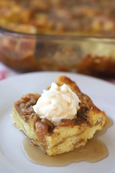 This is a classic French Toast Bake or Overnight French Toast recipe. It's made with simple ingredients and is so easy to make! Breakfast Casserole French Toast, French Toast Bake, Breakfast Bake, Breakfast Dishes, Best Breakfast, Breakfast Recipes, Breakfast Ideas, Morning Breakfast, Pie Recipes