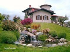Digital Content Publishing and Monetization Ponds Backyard, Backyard Fences, Beautiful Gardens, Beautiful Homes, Diy Pond, Garden Design, House Design, Succulent Wall, H & M Home