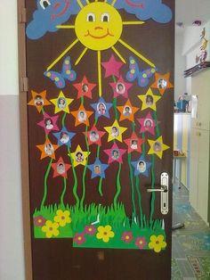 Preschool Activities and Materials School Board Decoration, School Decorations, Preschool Door, Preschool Classroom, Classroom Ideas, Kids Crafts, Preschool Activities, Classroom Door, Classroom Displays