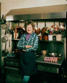 Julia Child in her kitchen body type Design Your Home, Child Life, Body Types, Vintage Photos, Two By Two, Lady, Children, National Museum, Bon Appetit