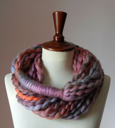 No pattern, looks like maker used unspun yarn? I'd like to try with t-shirt yarn! No knit scarf Finger Knitting, Arm Knitting, Knitting Patterns, Crochet Patterns, Crochet Ideas, Crochet Scarves, Knit Crochet, Yarn Crafts, Sewing Crafts