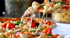 Dominos IPL 2017 Special Offer for you : Get Flat Off on Dominos Pizza order of Rs 400 or more. This discount is applicable only on Medium and Large pizza. This dominos pizza offer today is valid on both mobile orders and online orders. Use coupon cod Pizza Legal, Pizza Salami, Pizza Pizza, Pizza Food, Pizza Cheese, Pizza Naan, Chicken Pizza, Naan Flatbread, Artichoke Pizza