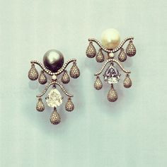 This mesmerizing pair of pearl and diamond ear pendants by JAR designed especially for famed French actress Jacqueline Delubac and sold by @christiesinc for $1'620'000.