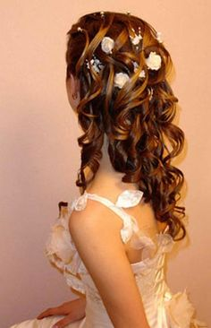 Wedding hairstyles curly to the side wedding hairstyles curls up half down curly wedding hairstyles with tiara and veil big curly wedding hairstyles wedding hairstyles long curly hair half up half down wedding hairstyles for curly hair medium 2014