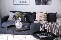 Grå Valen linnesoffa, soffa, dun, linne, djup, låg, avtagbar klädsel, möbler, inredning, vardagsrum.