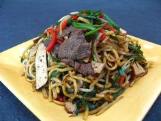 Lamb Chive Chow Mein (韭菜羊肉炒麵, Gau2 Coi3 Joeng4 Juk6 Caau2 Min6)