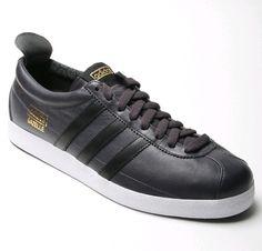 ALAS   cuernos Adidas Campus 80s en pies de negro zapatillas