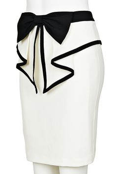 Pointed peplum with a bow and piping. I <3 this skirt