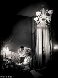 Matrimonio a Venezia, è bello poter creare immagini così adoro essere un fotografo di matrimonio... Wedding in Venice... I really like to be a wedding photographer. Shooting wedding photography in Venice is fabulous!!! Potete trovare altro qui: http://www.fotografo-matrimonio.biz/ More here: http://www.wedding-photographer.it/Nikon D3 + 24-70 f 2.8
