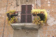 Umbrie april 2012  by la cle du sud, via Flickr