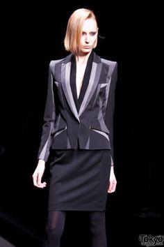 Very interesting blazer! Atsushi Nakashima showcased their 2012 Autumn/Winter at Tokyo Fashion Week.