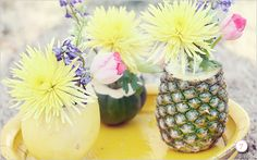 Planning a tropical or a coastal wedding? Pick pineapples for your wedding décor! Pineapples are super fun and creative and easy to incorporate into your wedding theme.