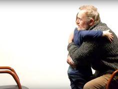 Em um vídeo emocionante, que enche os nossos corações de luz nesta reta final de ano, o menino Shawn, de apenas 7 anos, e Des, um senhor de 64 anos, sentam-se frente a frente para responder perguntas sobre a vida.