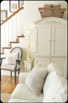 Vintage French Soul ~ French Country Home French Country Bedrooms, French Country House, French Cottage, French Farmhouse, Country Living, Farmhouse Style, French Decor, French Country Decorating, Swedish Decor