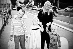 Blonde tour in the streets of Rimini  Throwback til sommeren 2013 #takemeback #rimini #klanenmin #takemebacksaturday #minlillefamilie by linda.dengodefeen