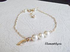 Bridesmaid bracelet Bridal pearl bracelet Delicate by Element4you, $22.95
