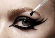 Amazing, dramatic vamp tribal lash eyeliner eye make up #eyes #makeup #eyeshadow @Kate Valkyrien