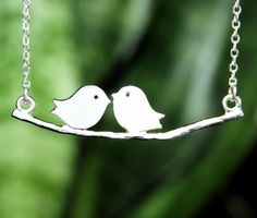 I don't do a lot of necklaces (like two times a year perhaps), but this is adorable!
