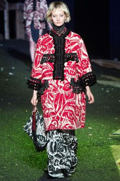 """Marc Jacobs Spring/Summer 2014 Ready-To-Wear Collection Paul Poiret's famous """"La Perse"""" coat, 1911"""