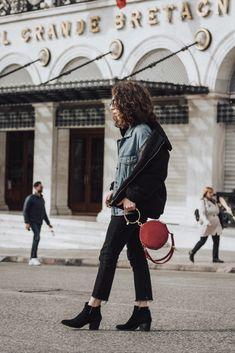 Chloé look-alike bag mom jeans