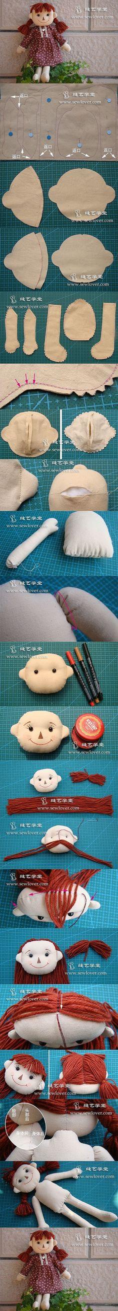Linda boneca de pano. Um dia gostaria de fazer bonecas.