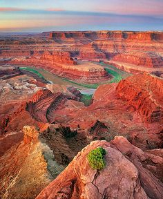 ✯ Deadhorse Point, Utah... Book early and save! Find Special Deals in HOT Destinations only at Expe... http://youtu.be/pl5K_GMnJHo @YouTube Expedia  http://biguseof.com/travel