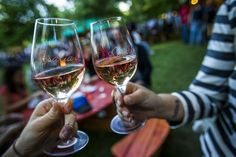 Rosalia, Rosé and Sparkling Wine festival in Budapest, 8-10 May 2015 Rosé and Sparkling Wine Garden - Google keresés Wine Festival, Sparkling Wine, Hungary, Budapest, Red Wine, Alcoholic Drinks, Glass, Google, Garden