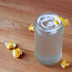 Ginger spritzer.  The perfect (non-alcoholic) way to ring in the New Year!