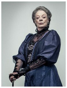 Violet Crawley, Dowager Countess of Grantham / Maggie Smith _ Downton Abbey Robert Crawley, Lady Violet, Dowager Countess, Downton Abbey Fashion, Maggie Smith, Lady Mary, Poldark, Jon Snow, Actors & Actresses
