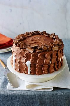 Milky Way Cake - Candy Cakes - Southernliving. Recipe: Milky Way Cake Chocolate Malt, Melting Chocolate, Chocolate Cakes, Chocolate Heaven, Candy Cakes, Cupcake Cakes, Cupcakes, Food Cakes, Mini Cakes