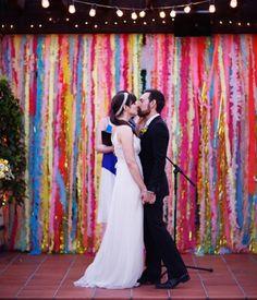 Slingers, slingers en nog eens slingers, dé ideale, vrolijke smaakmaker op je bruiloft. Lekker vrolijk en goedkoop!